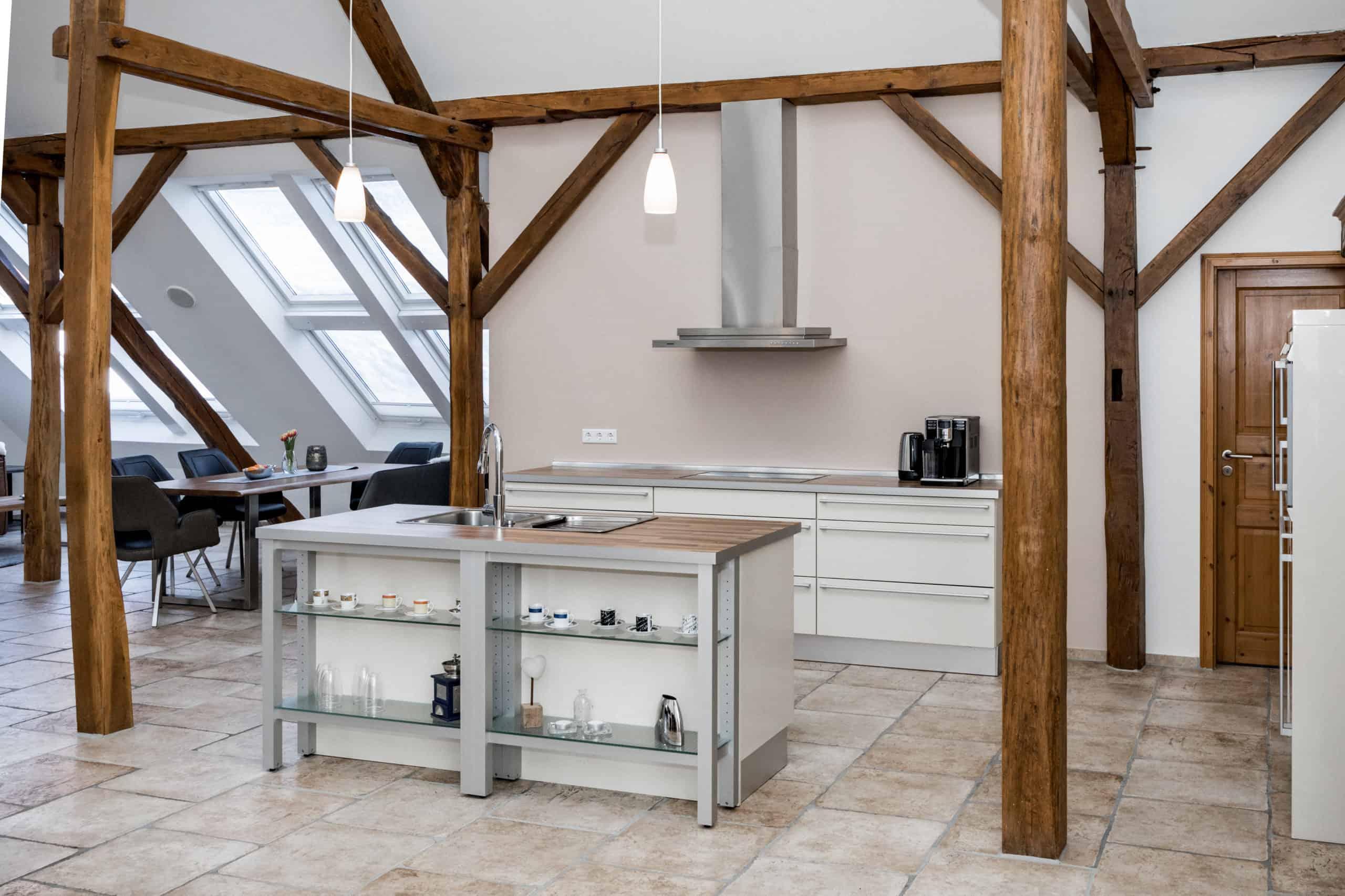 Loft: Blick in die Küche